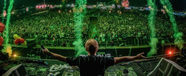 Armin van Buuren releases Sunburn set!