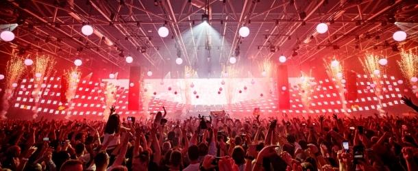 Armin van Buuren delivers record-breaking 'ASOT 950' event