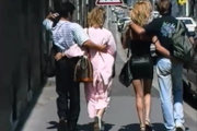 Partouze française avec mature blonde, Champignon et un ami