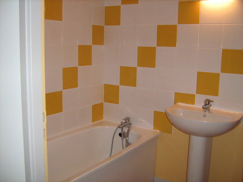 Salle de bain Exermont.JPG