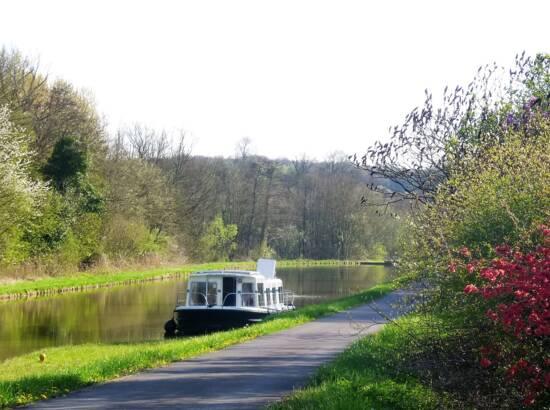Le canal de Montgon en avril