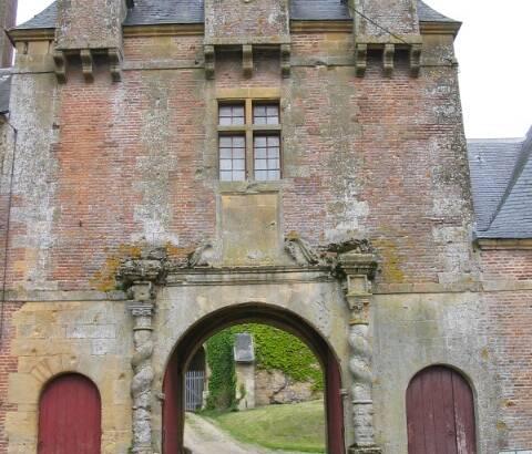 Porte du château de Grandpré
