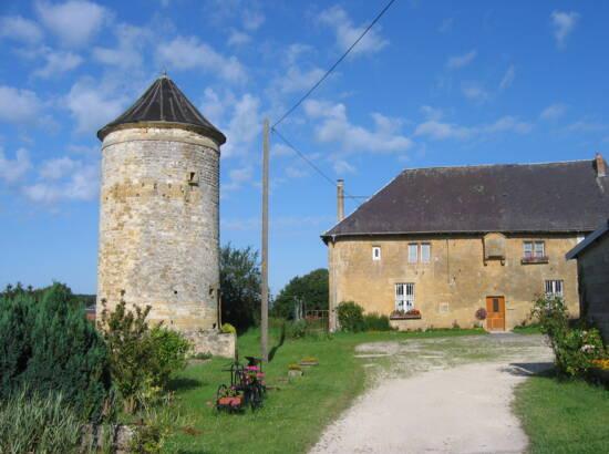 Moulin et maison forte de Harricourt