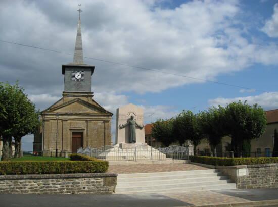 Église et monument aux morts de Nouart-les-Champys