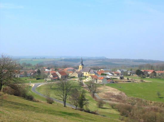 Vue sur le village de Sommauthe