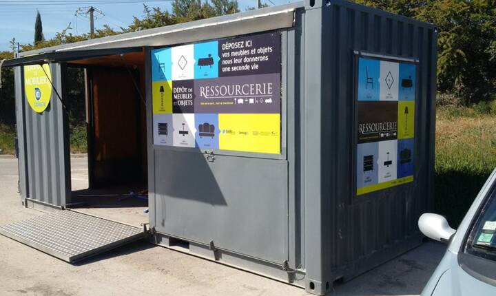 photo container recyclerie.jpg
