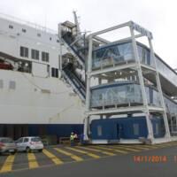 AP110K passerelles passagers Calais.JPG