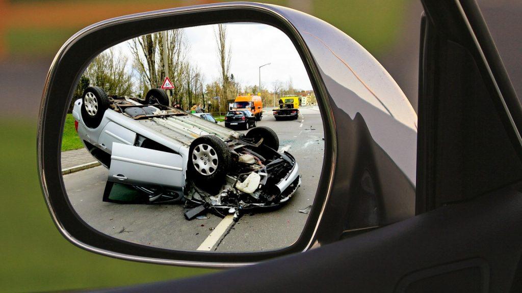Prendre un avocat après un accident de la route est primordial