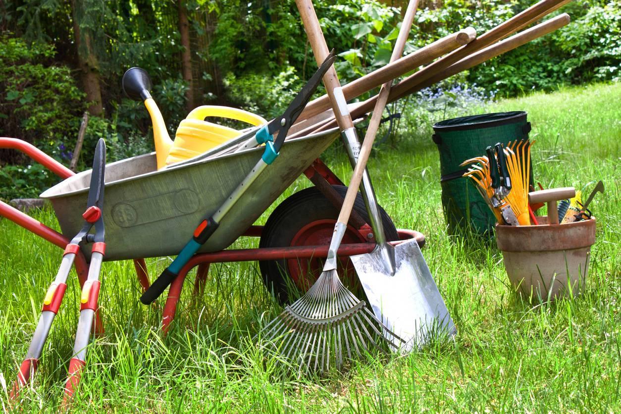 outil jardinage en bois