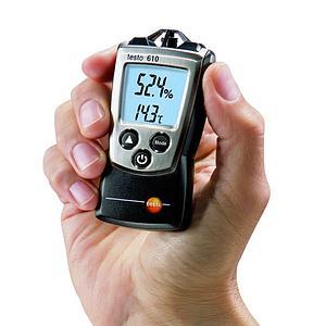 Hygromètre de poche 610 à sonde intégrée pour la mesure de l'humidité / point de rosée / température