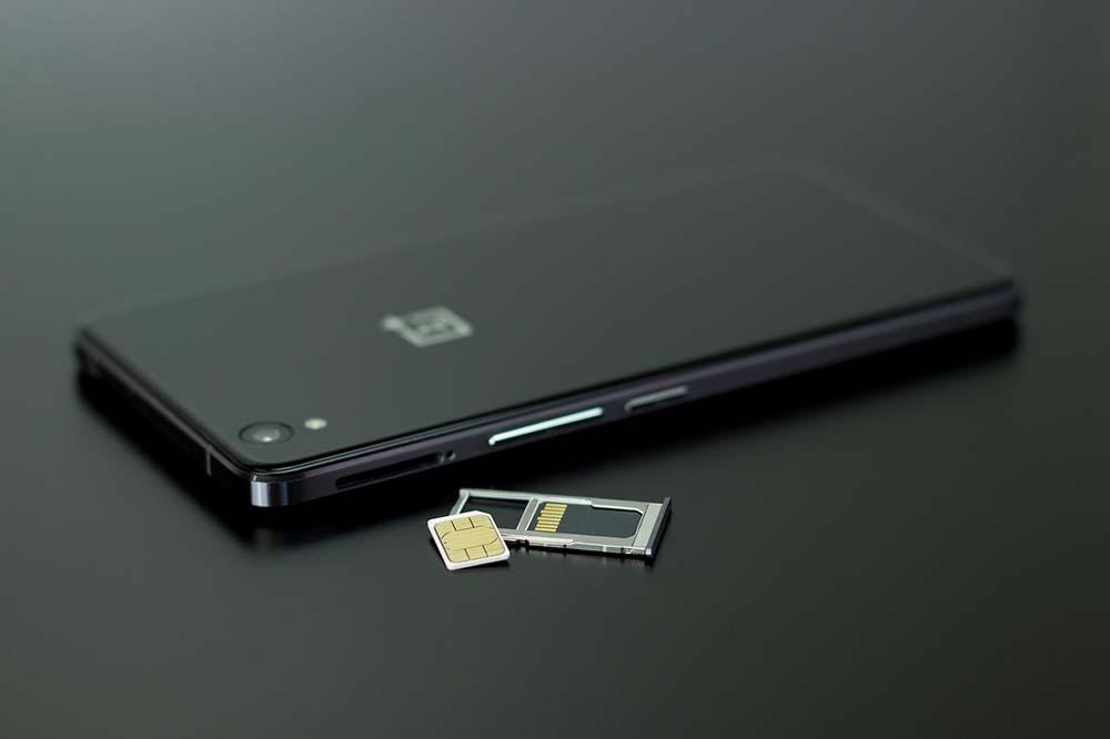 Comment découper sa carte micro SIM pour la transformer en nano SIM (et sans la casser !) ?