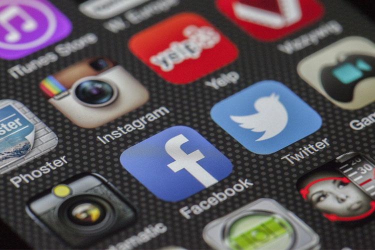 Facebook : comment changer son nom sur le réseau social avis