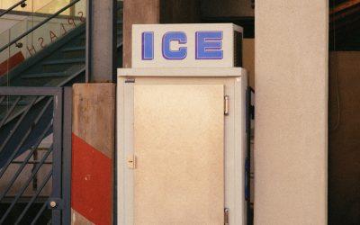 Fabrication d'un réfrigérateur de jeu à partir d'un vieux meuble