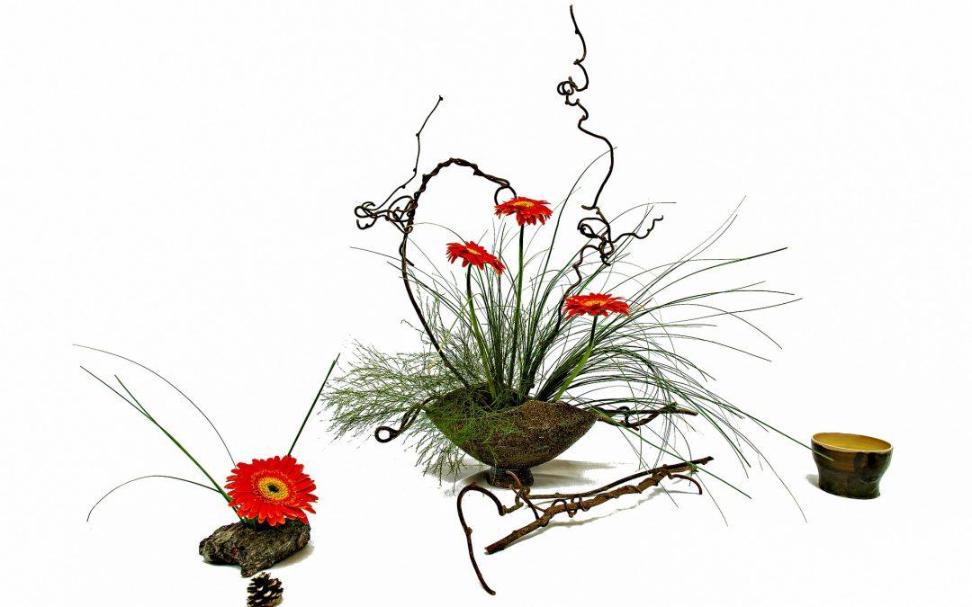Tutoriel floral : Un arrangement d'été à l'automne utilisant l'art de l'Ikebana