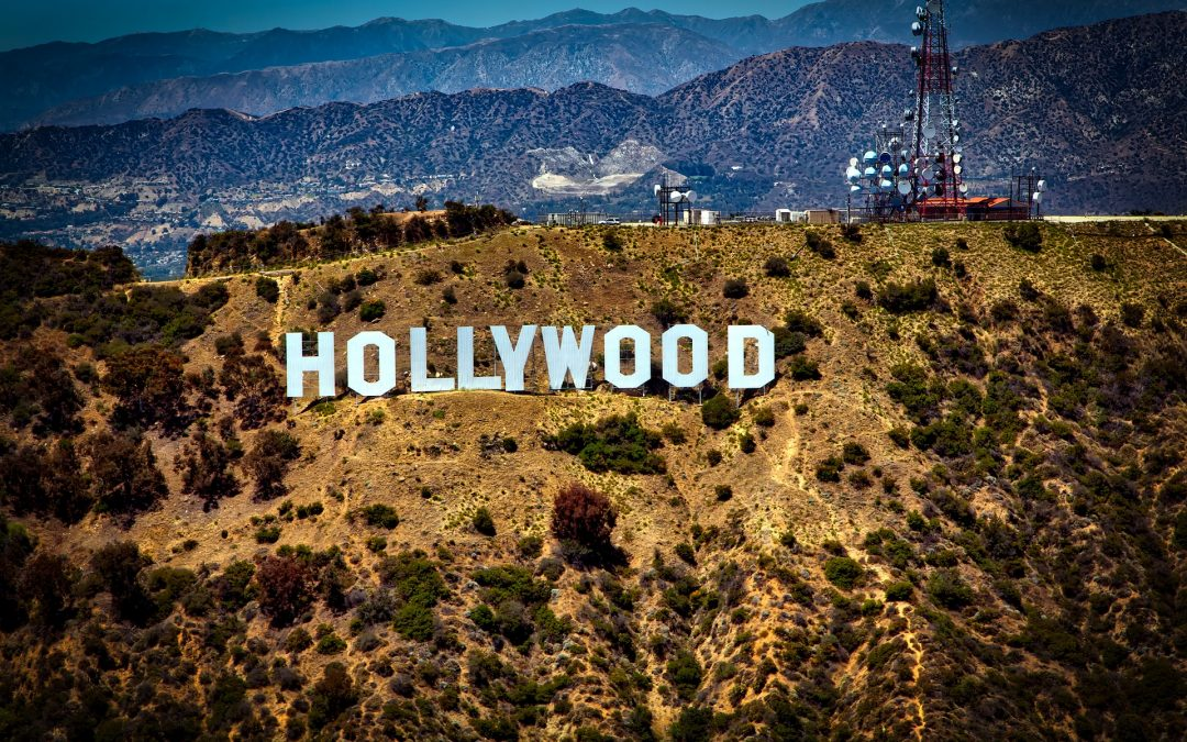Visite de la maison : L'architecture européenne rencontre la fraîcheur iconique de cette maison de Los Angeles