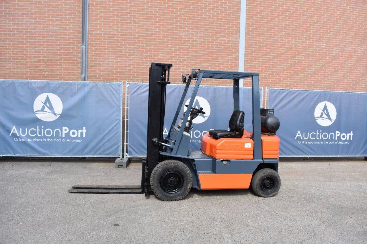 Forklift Toyota 42-5FGF-20 LPG 2000kg