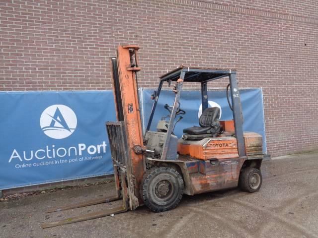 Forklift Toyota 02-05FDF-25 Diesel 2000kg