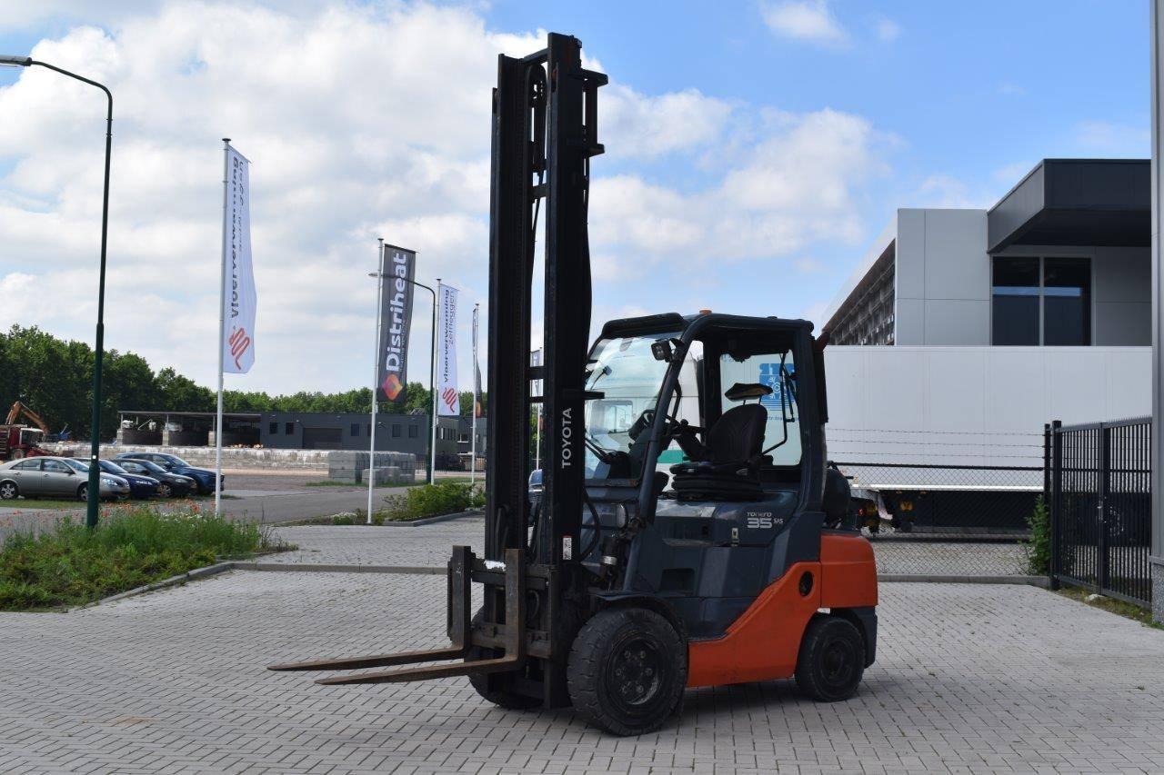 Forklift Toyota 02-8FGJF35 LPG 3500kg
