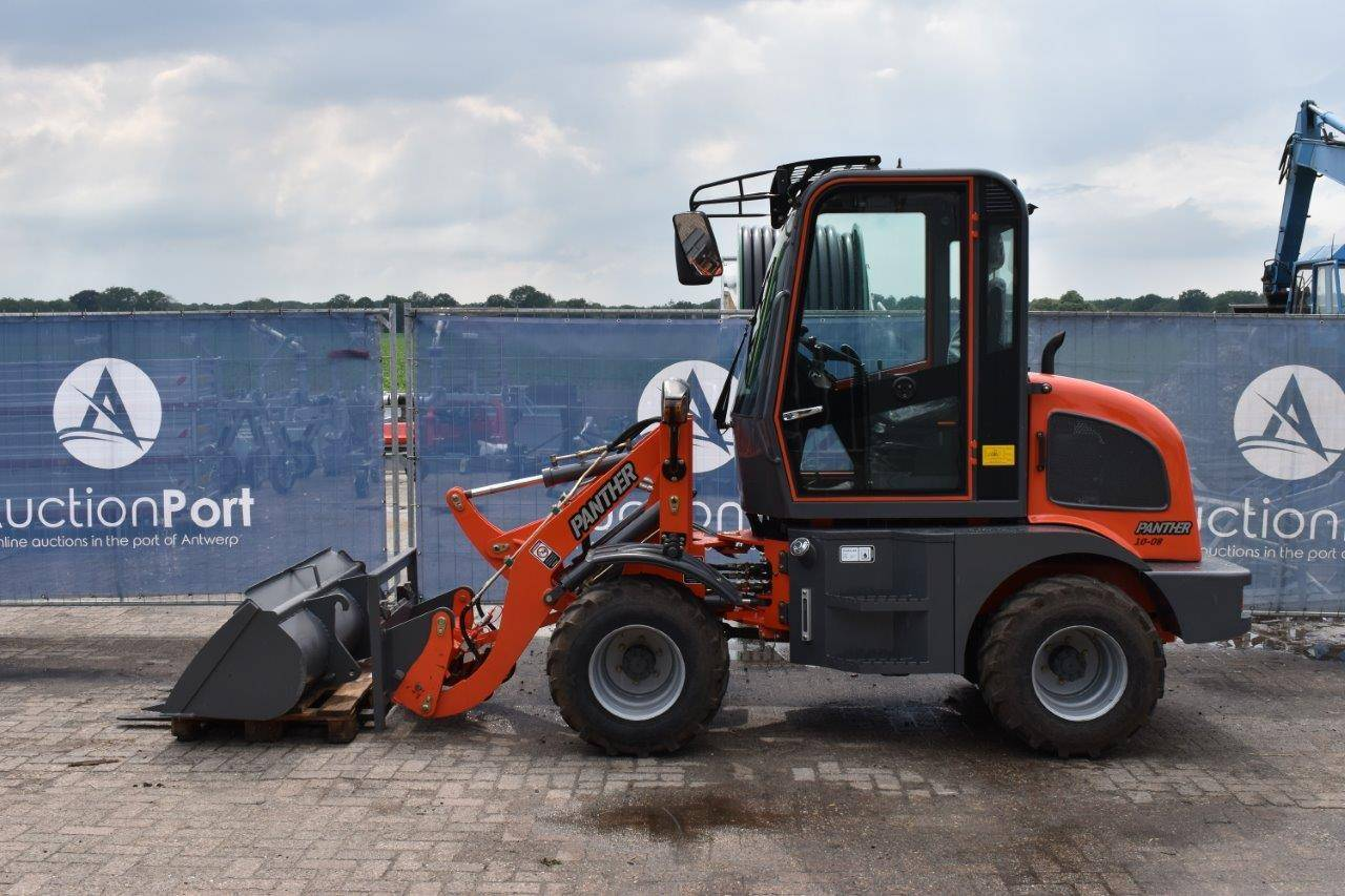 Landbouw - Minitractoren - Landbouwuitrusting - Minigravers - 240