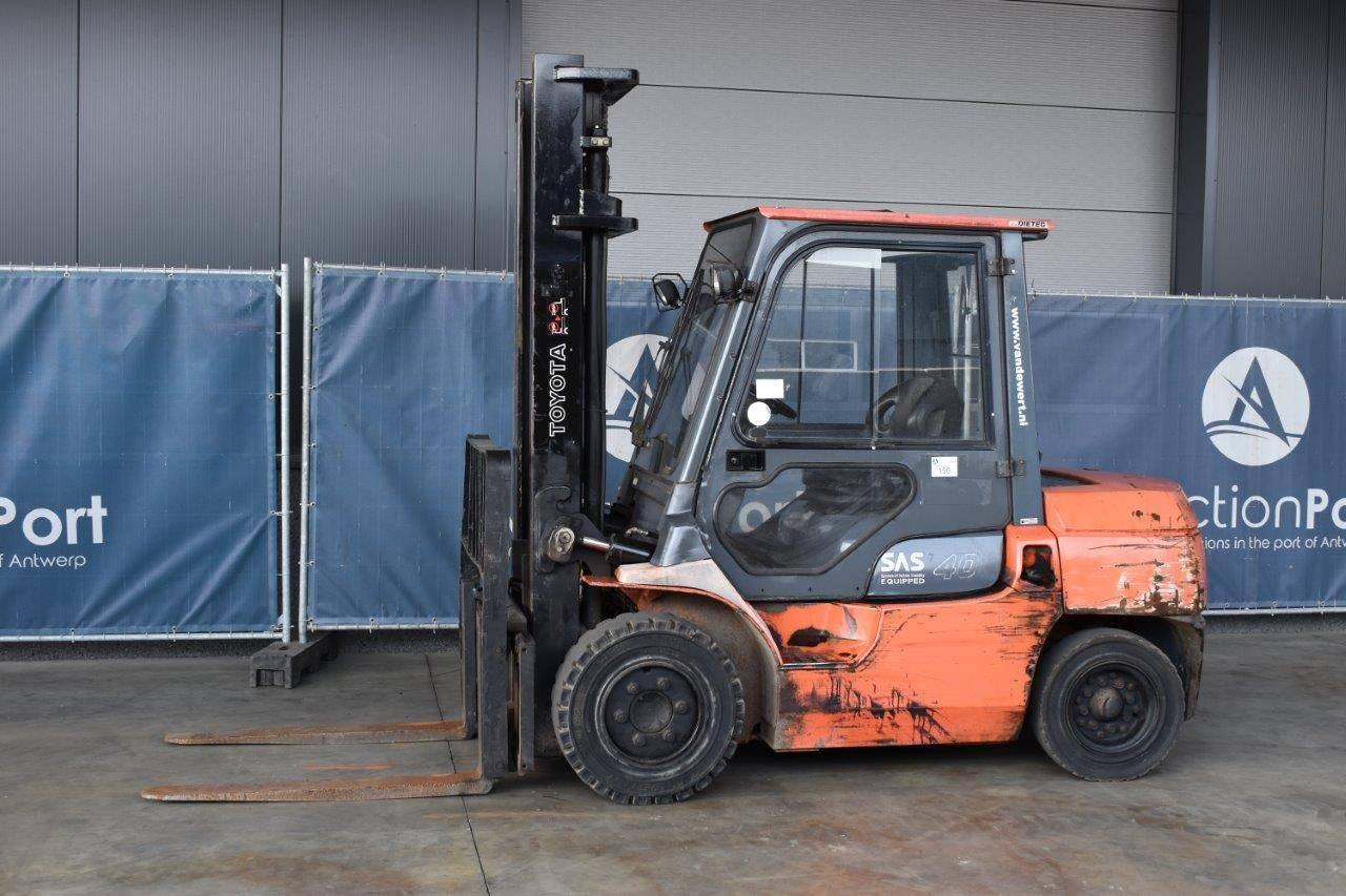 Forklift Toyota 02-7FD35 Diesel 4000kg