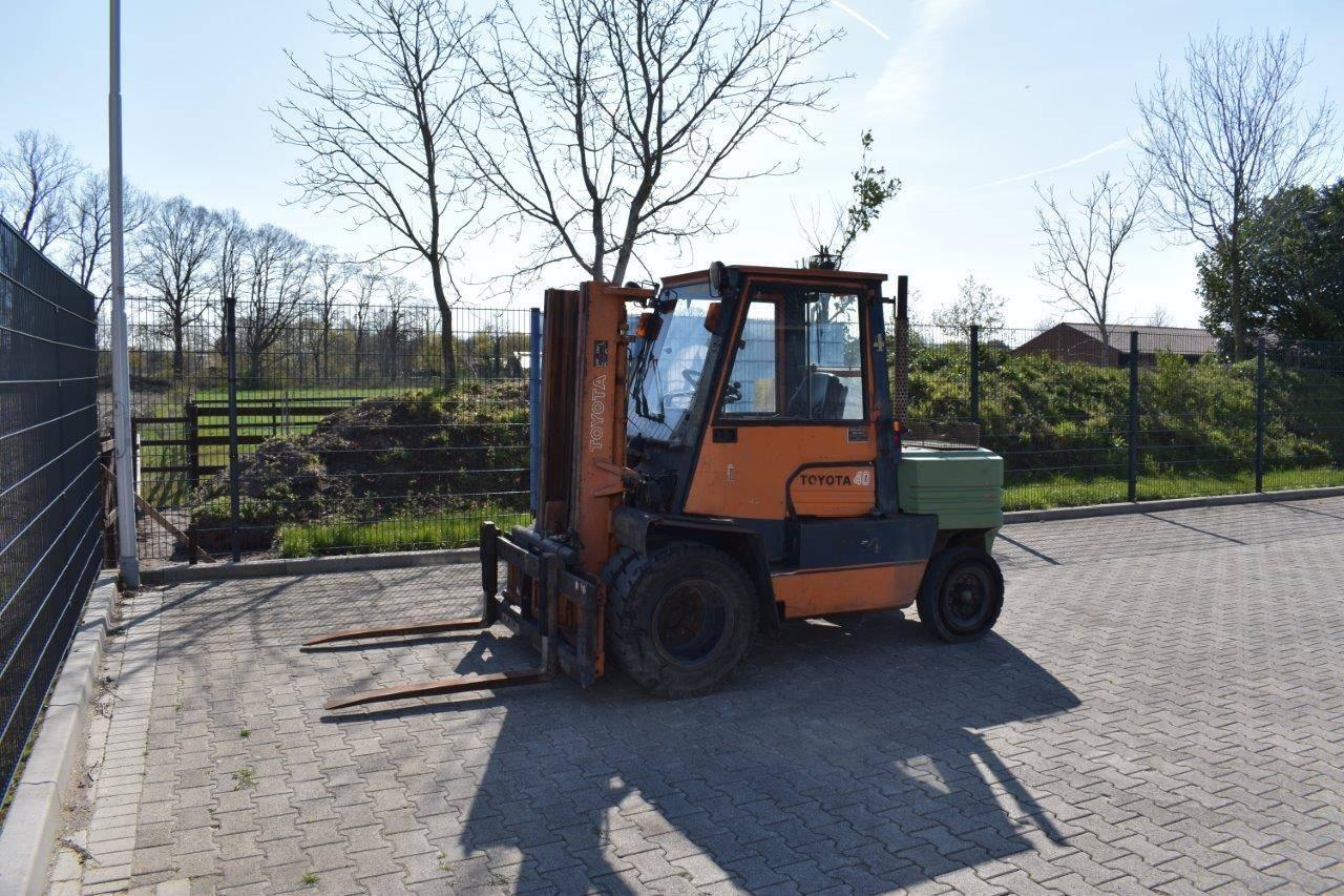 Forklift Toyota 02-5FD40 Diesel 4500kg