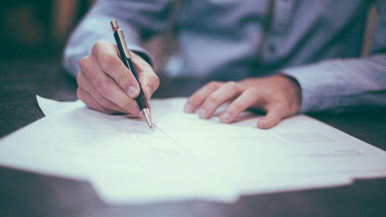 Réussir sa carrière dans les finances grâce à un CV attractif