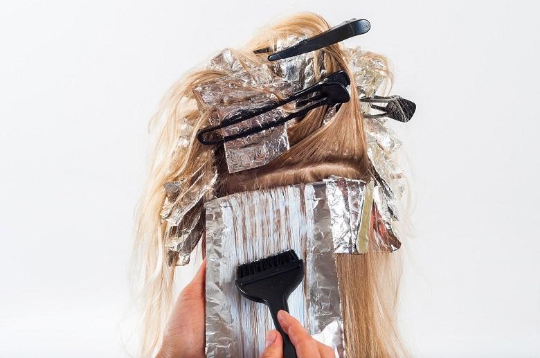 application coloration cheveux