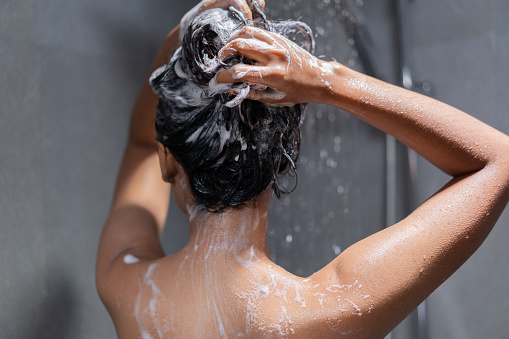 lavage-cheveux.