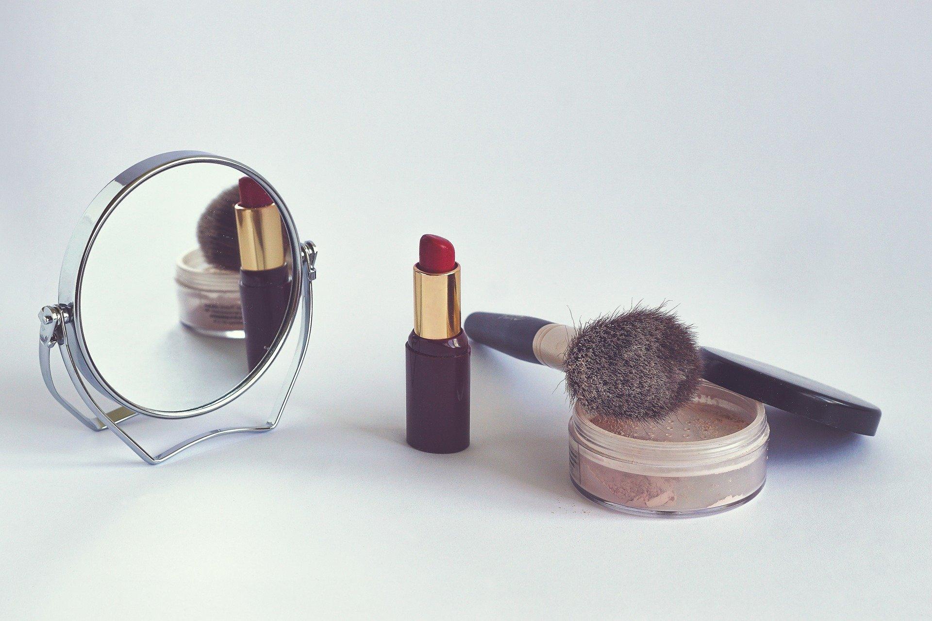 Maquillage,_soins_de_la_peau_et_coiffure_:_créez_votre_propre_entreprise_de_beauté