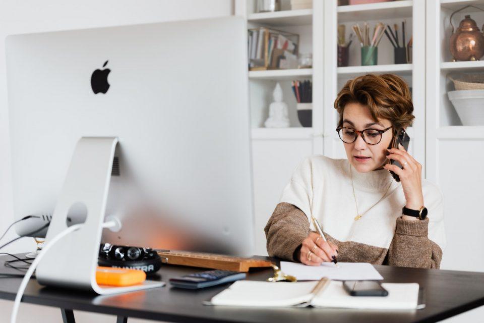 3_façons_de_respecter_votre_emploi_du_temps_lorsque_vous_travaillez_à_domicile