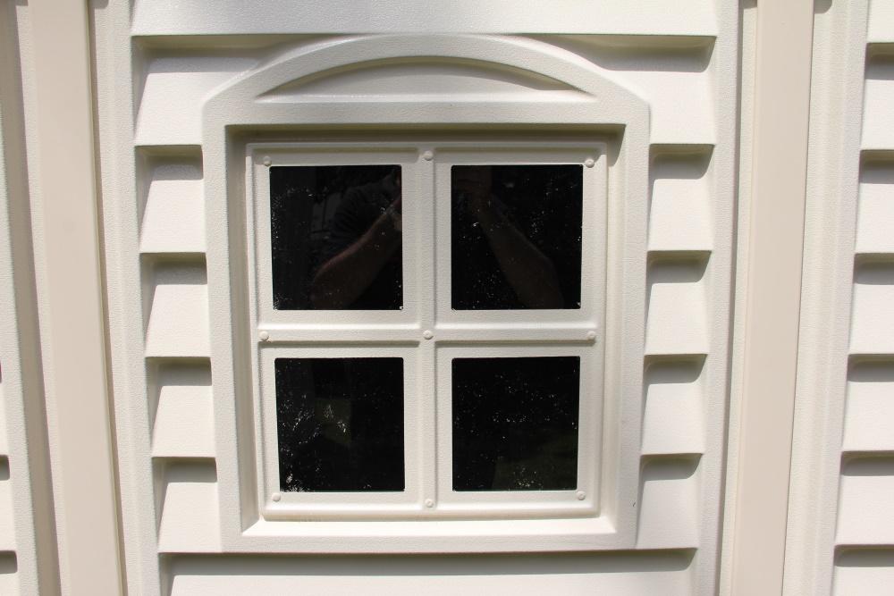 fenêtre abri de jardin en résine