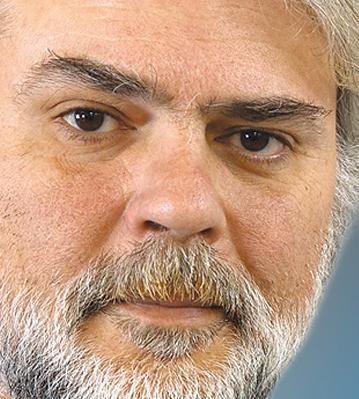 Νίκος  Καραθάνος
