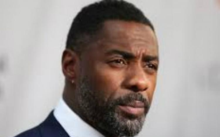 Ο Idris Elba απαντά αν είναι ο James Bond