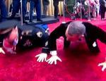 Όσκαρ 2020: Τα push ups του Τομ Χανκς στο κόκκινο χαλί