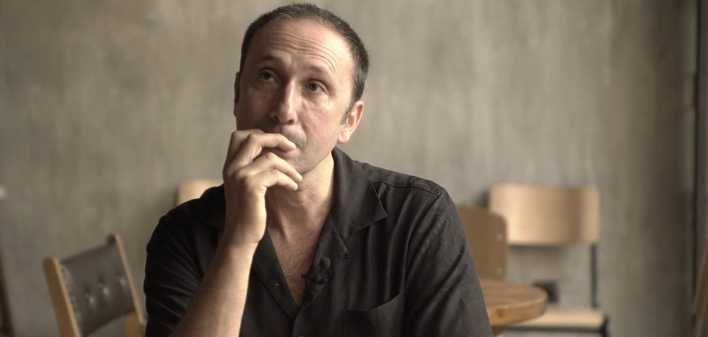 Ρένος Χαραλαμπίδης: «Δεν βλέπω τα παιδιά σαν αξεσουάρ»