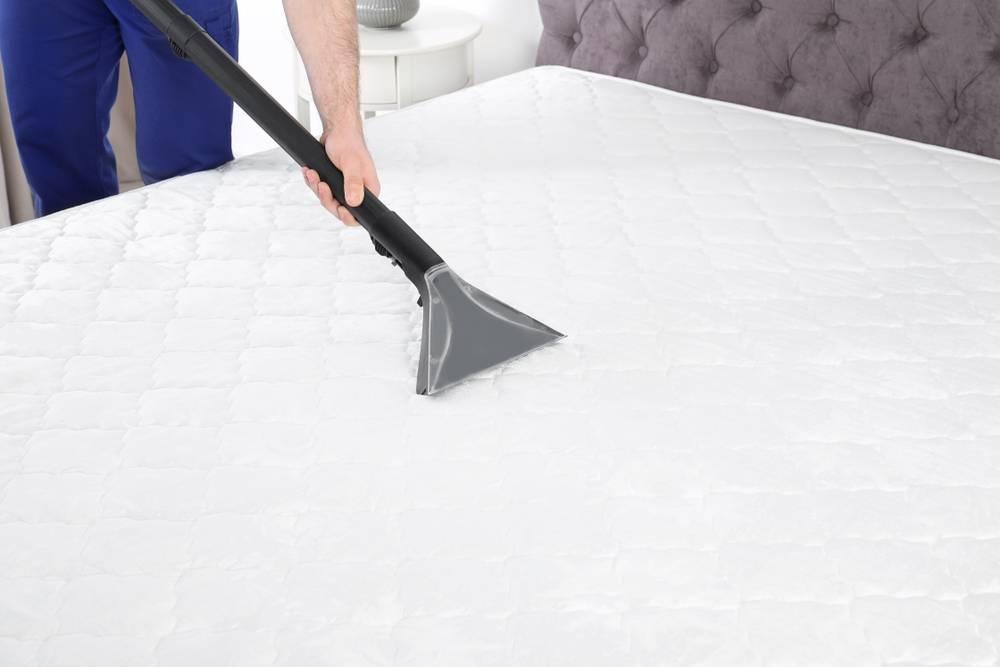 Comment nettoyer une tache sur un matelas au cas par cas