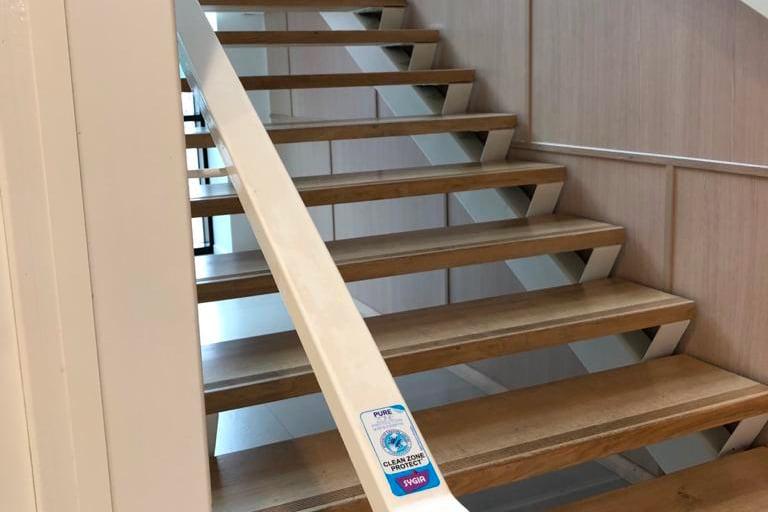 Film antimicrobien escalier Guipavas