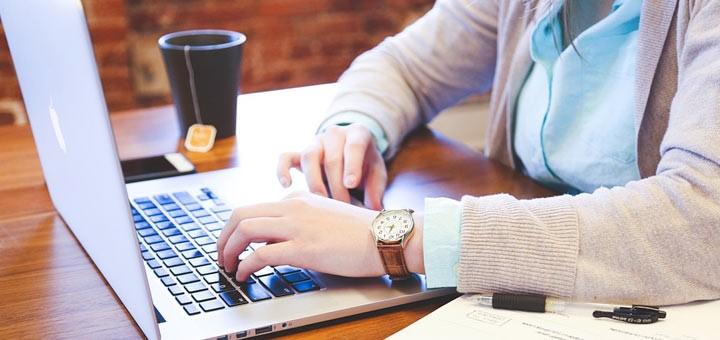 travail sur ordinateur