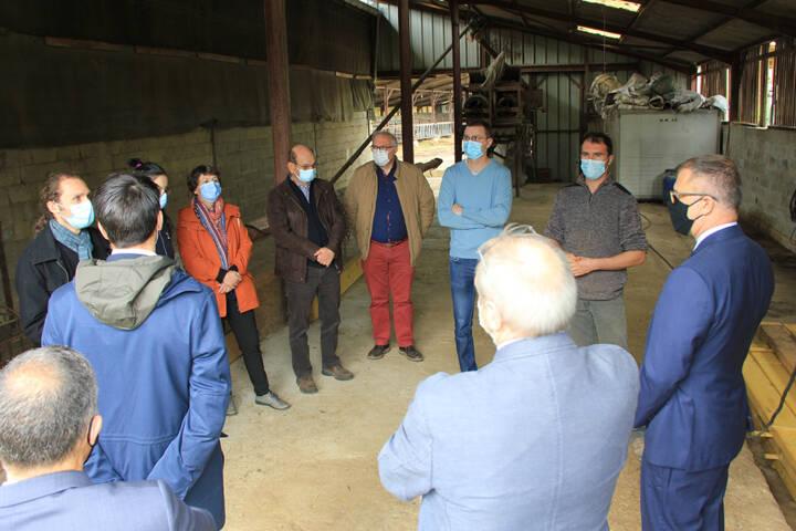 Visite du Préfet des Ardennes à la la ferme de la Terre au Chêne