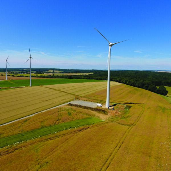Éolienne sur le territoire des Crêtes