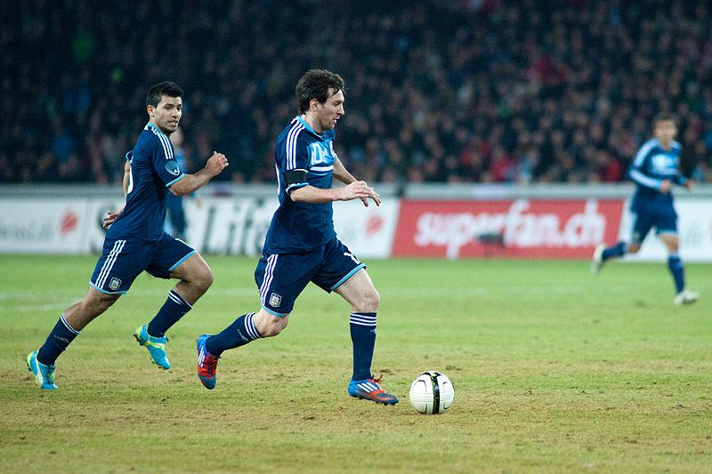 Aguero bannit Messi de son chat Twitch