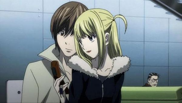 Misa Amane et Light dans Death Note