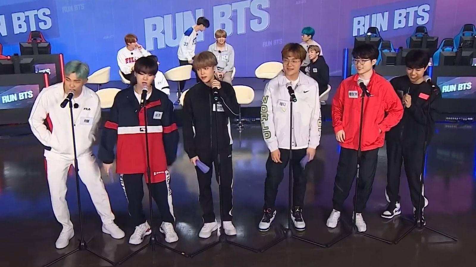Les joueurs T1 et BTS chantent ensemble