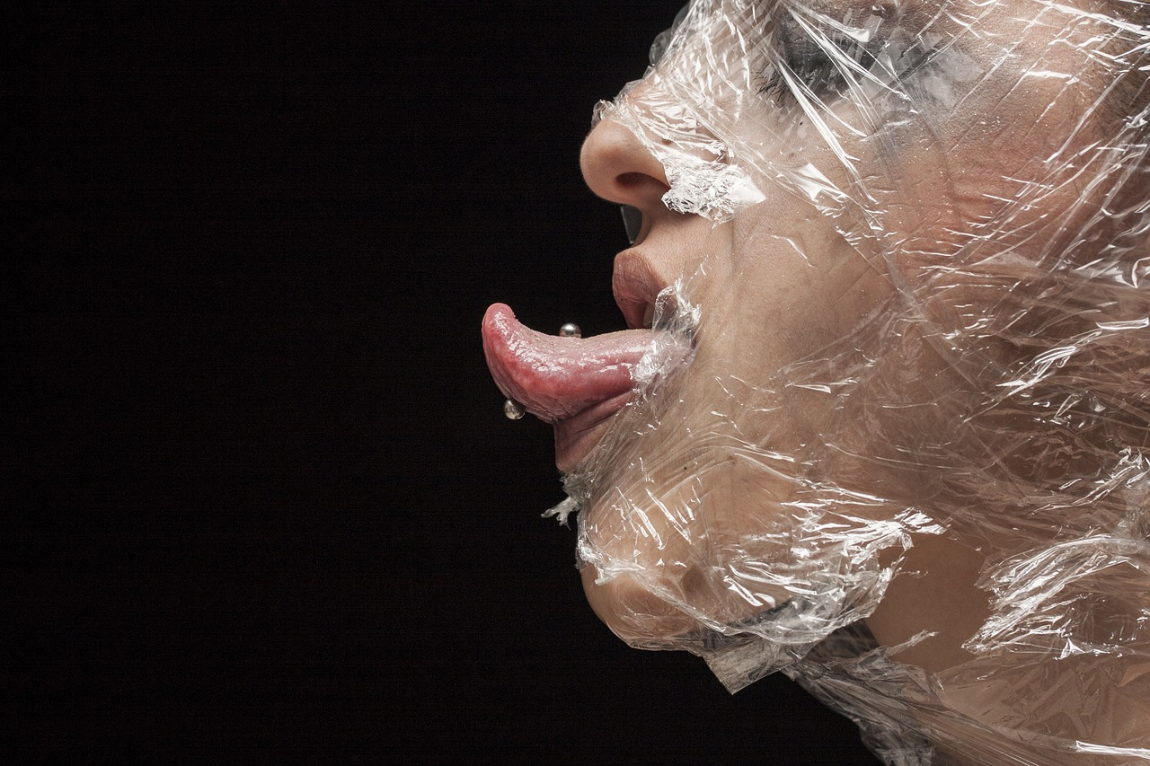 Piercings_:_Tout_sur_les_morsures_faciales