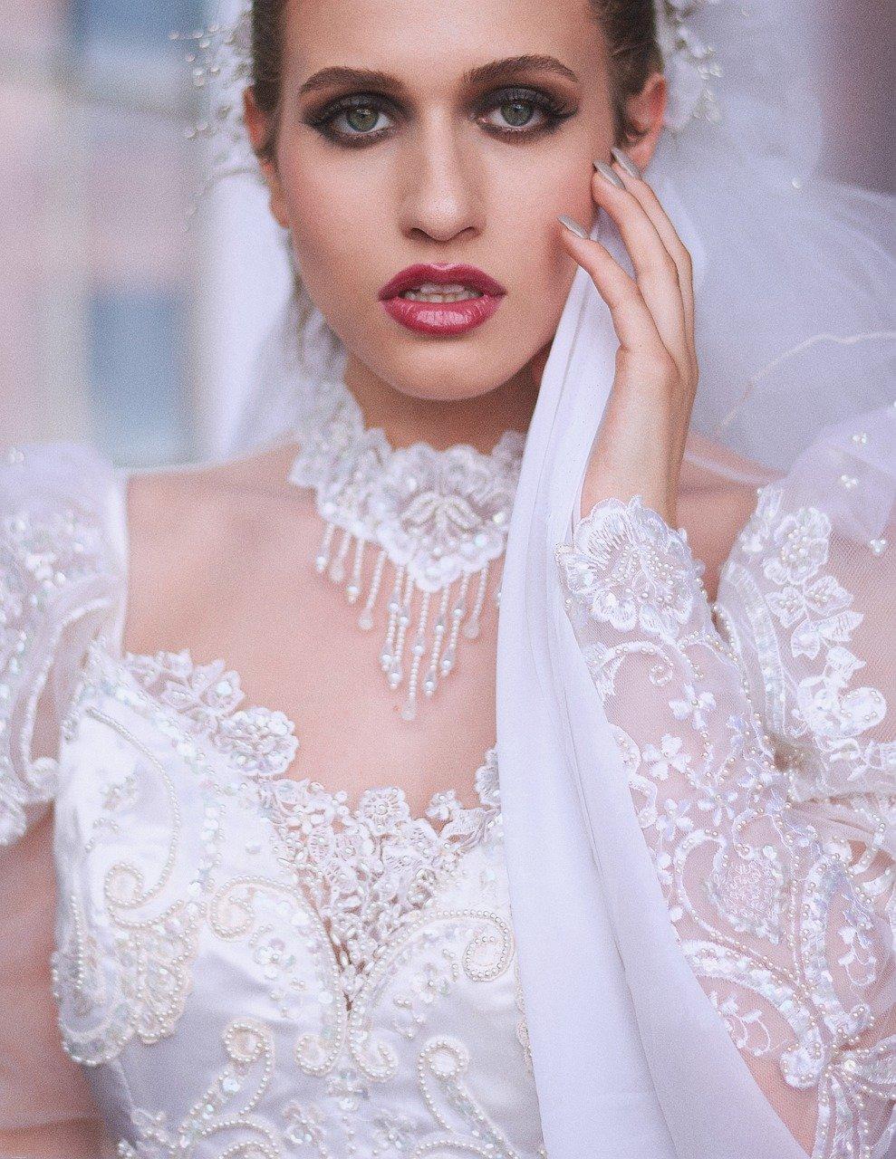 8_coupes_cheveux_courts_pour_des_mariages_élégants