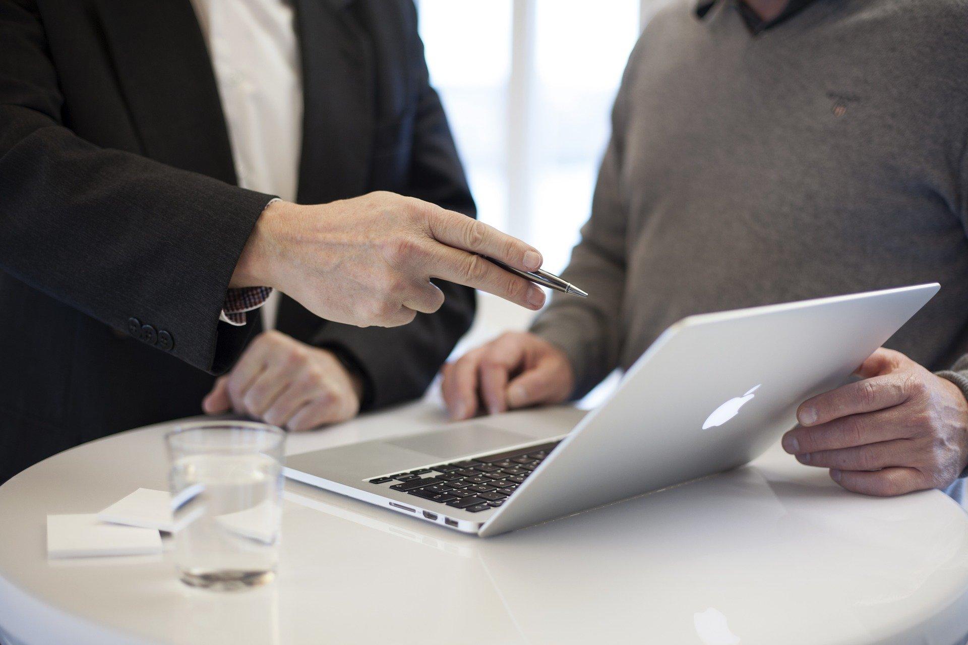 Pourquoi_les_entreprises_embauchent_des_consultants