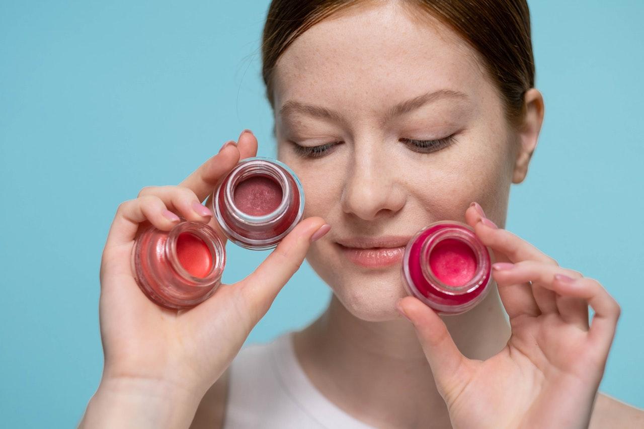 Comment_démarrer_une_entreprise_de_maquillage_à_succès_en_ligne?