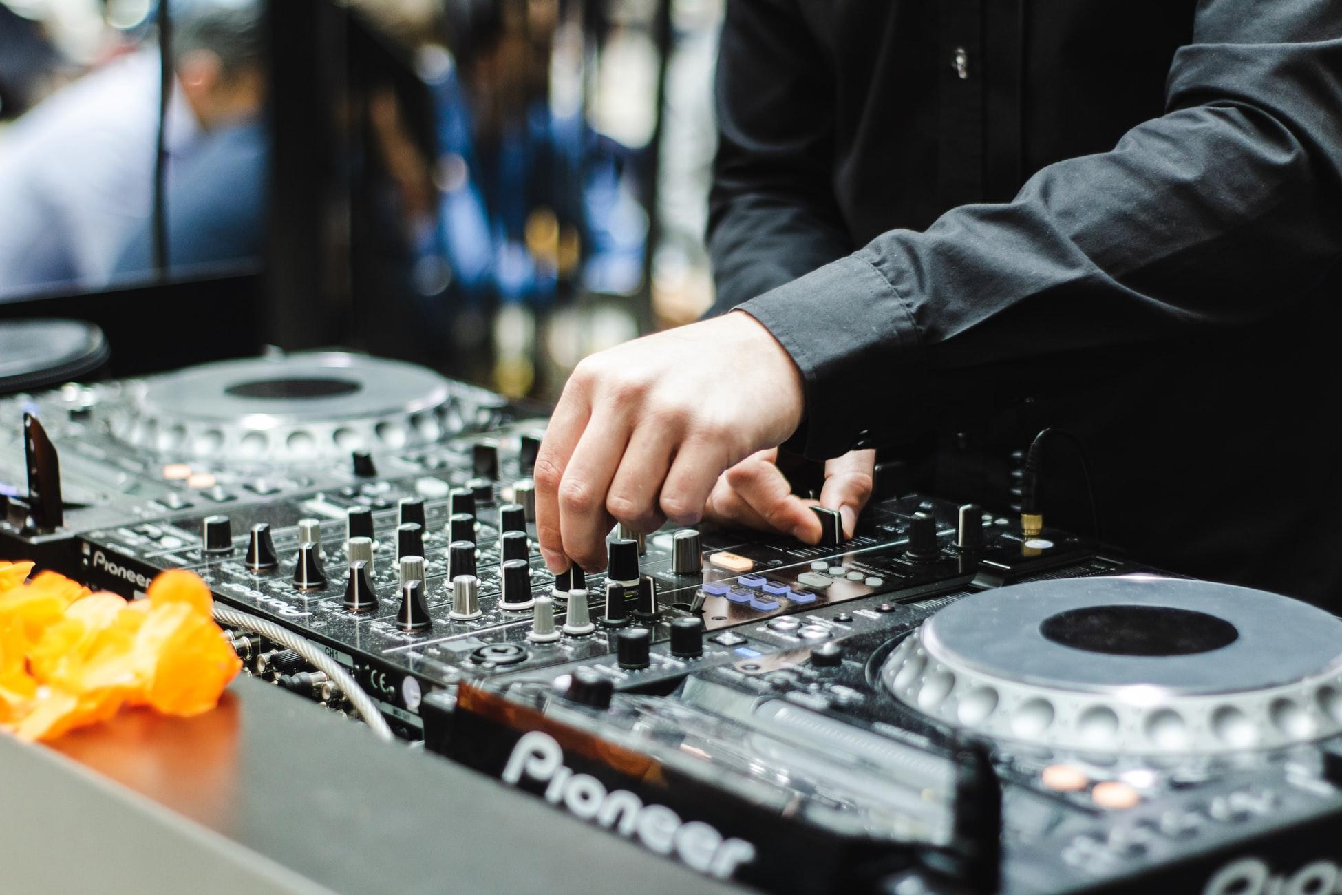 Platine DJ sieste électronique Toulouse