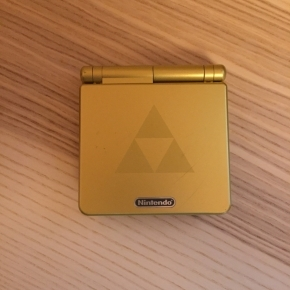 Gameboy Advance SP Zelda Gold Edition