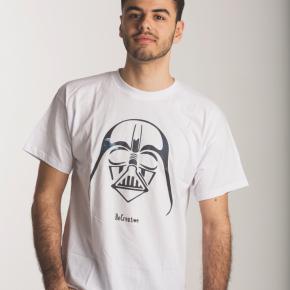 Camiseta Darth Vader y Estrella de la Muerte Color: Blanco Talla: M